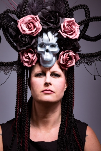 Skull and Roses 02